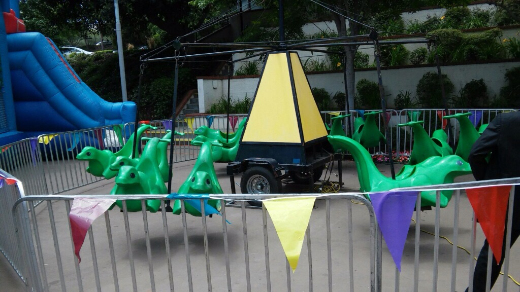 Dino Swing Chair ride